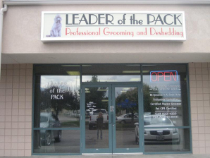 Leader of the Pack - Professional Grooming and Deshedding